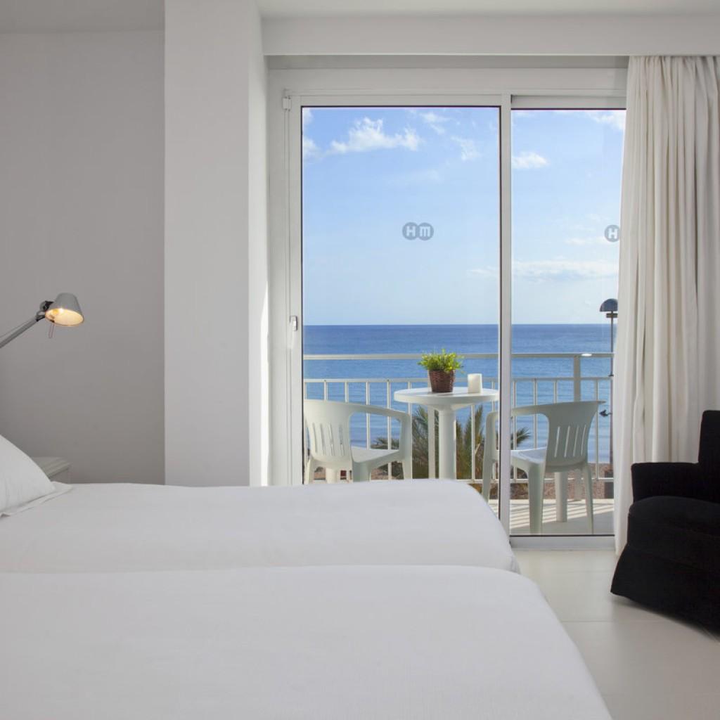 hotel-tropical-13-1024×1024