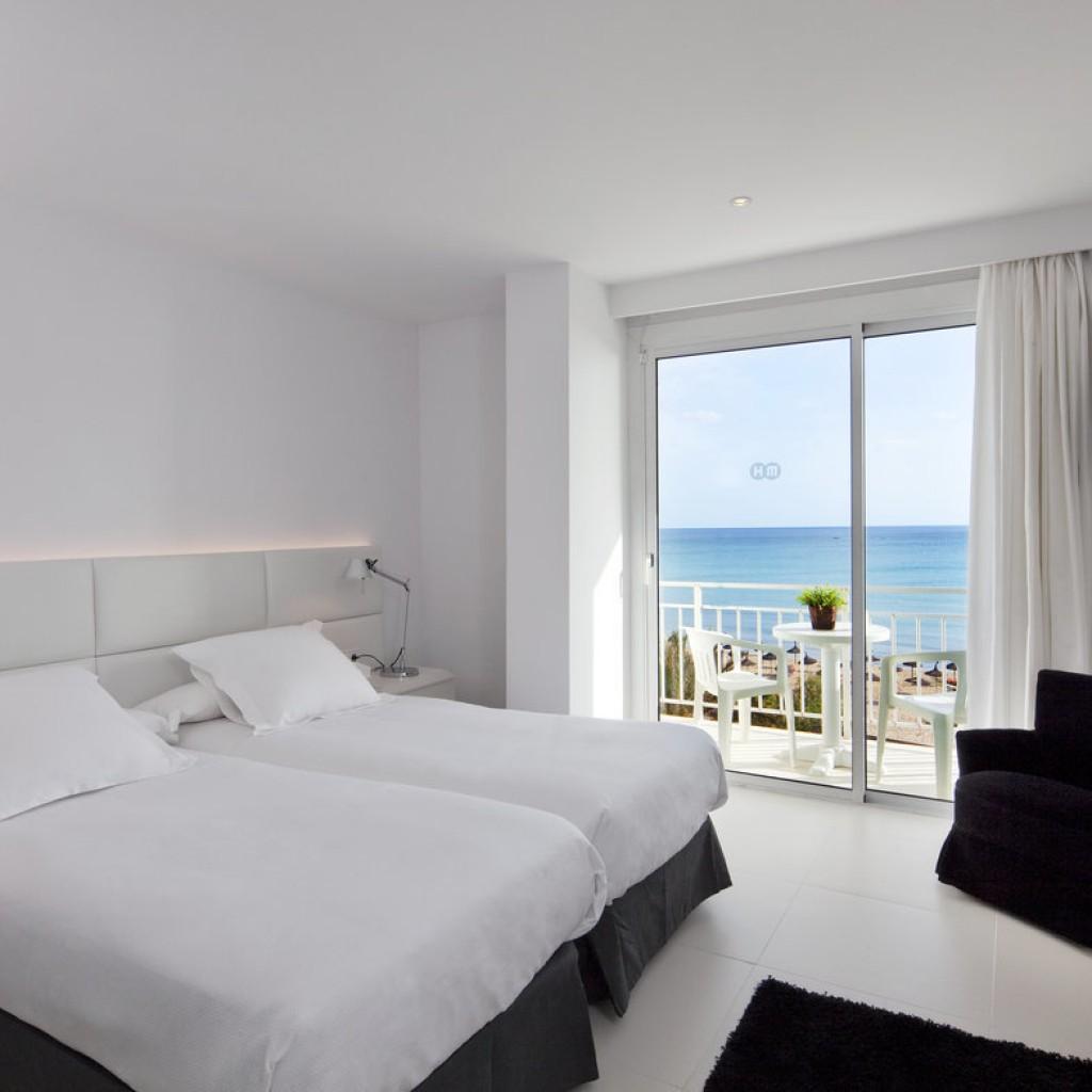 hotel-tropical-14-1024×1024