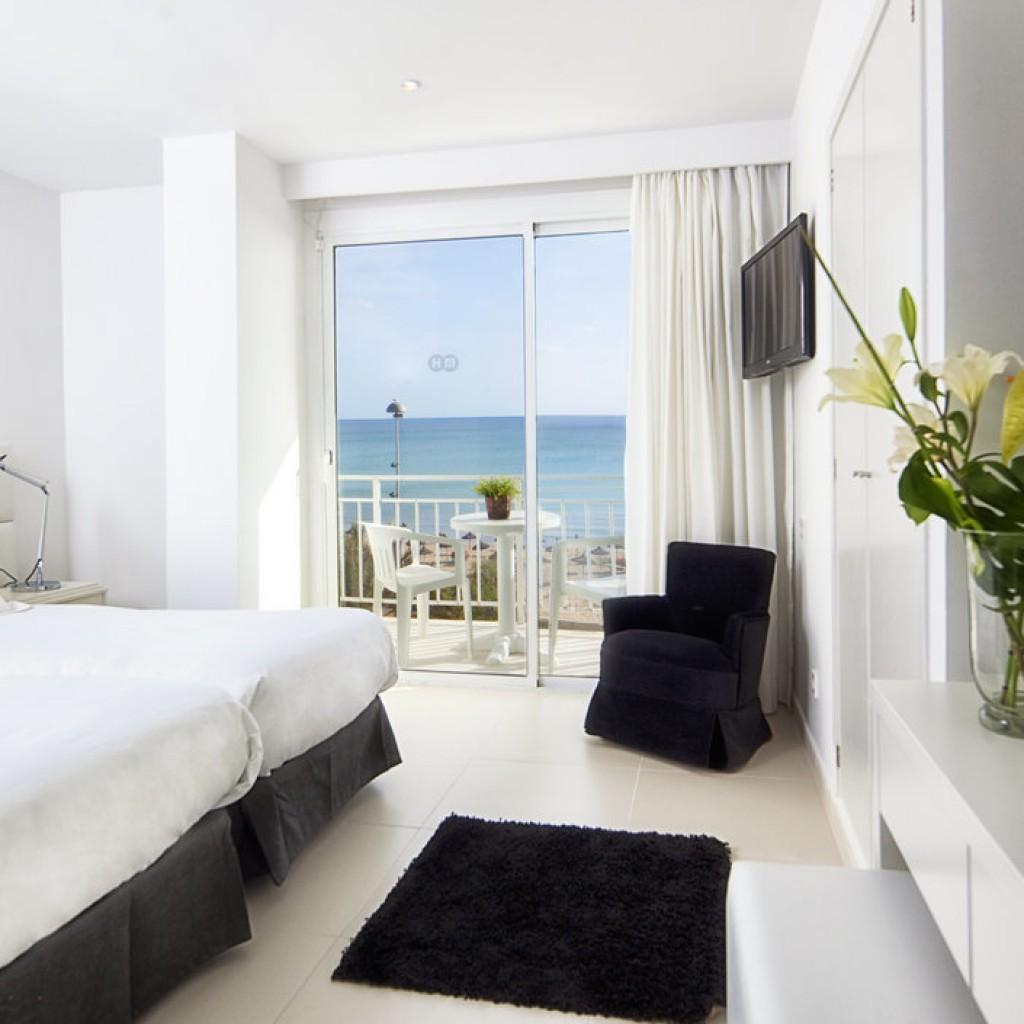 hotel-tropical-15-1024×1024