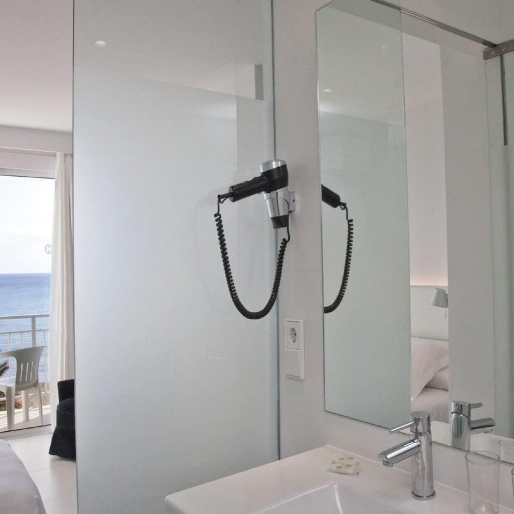hotel-tropical-16-1024×1024