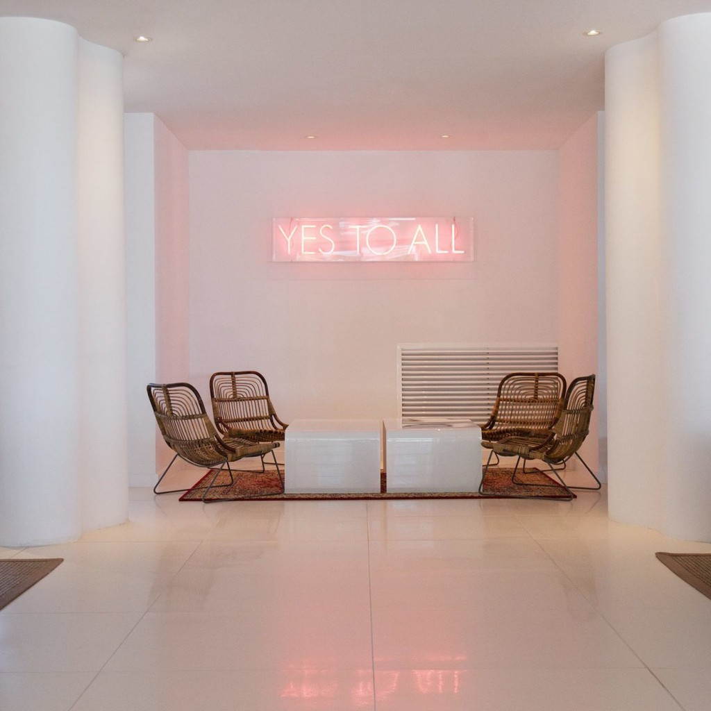 hotel-tropical-36-1024×1024