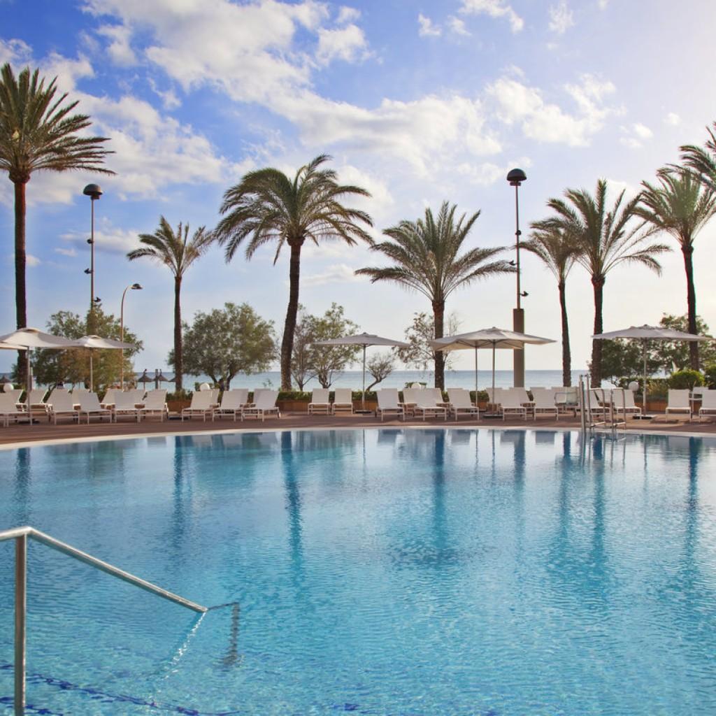 hotel-tropical-6-1024×1024
