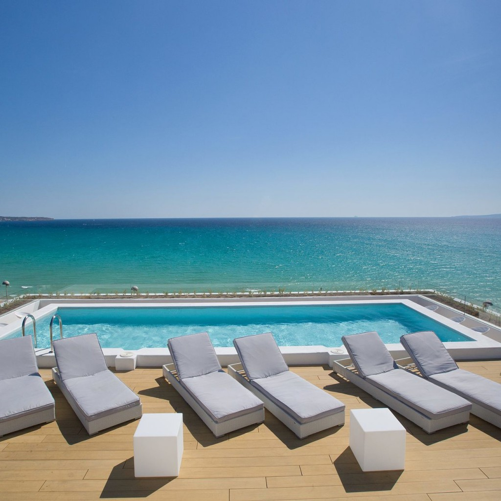hotel-tropical-8-1024×1024
