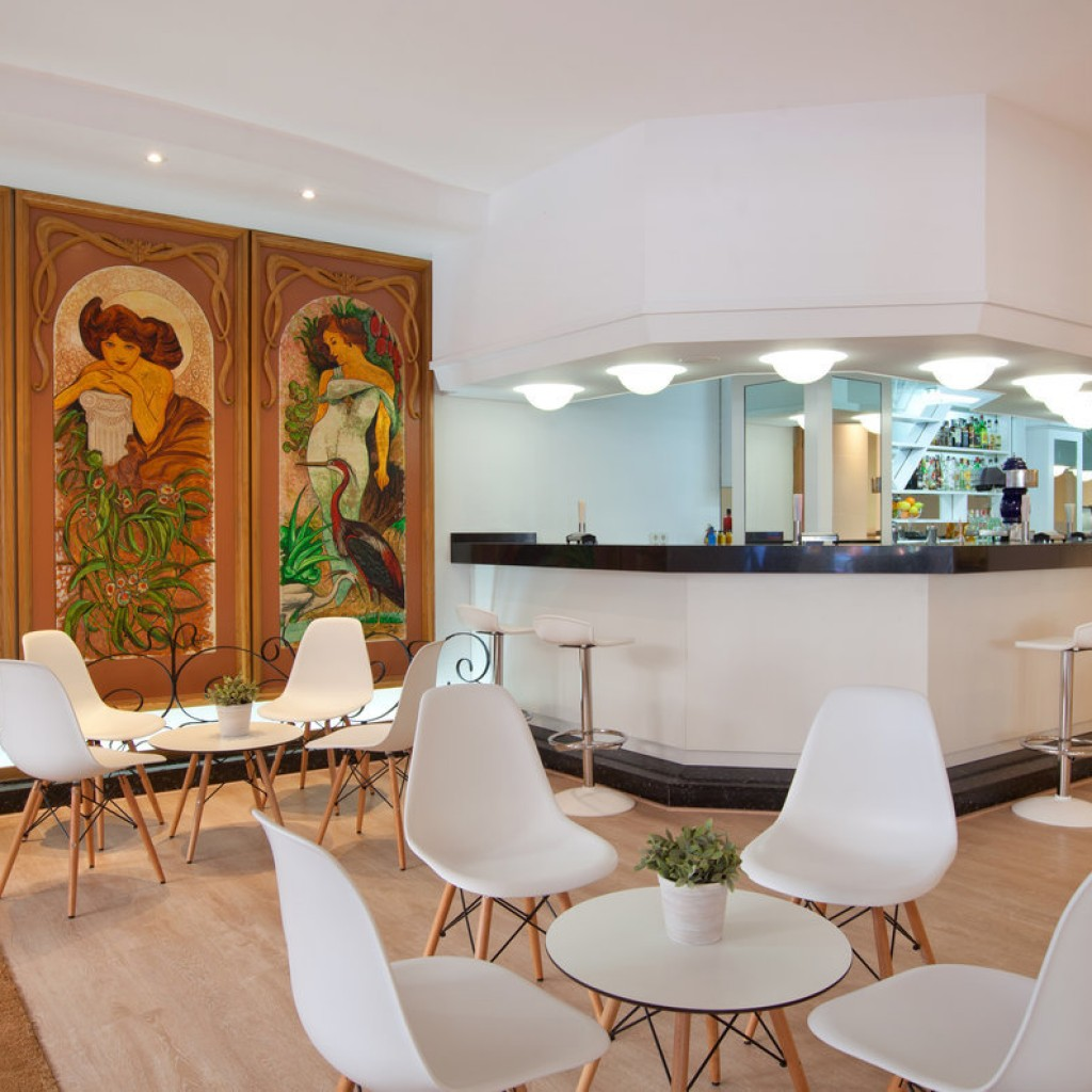 hotel-whala-beach-4-1024×1024